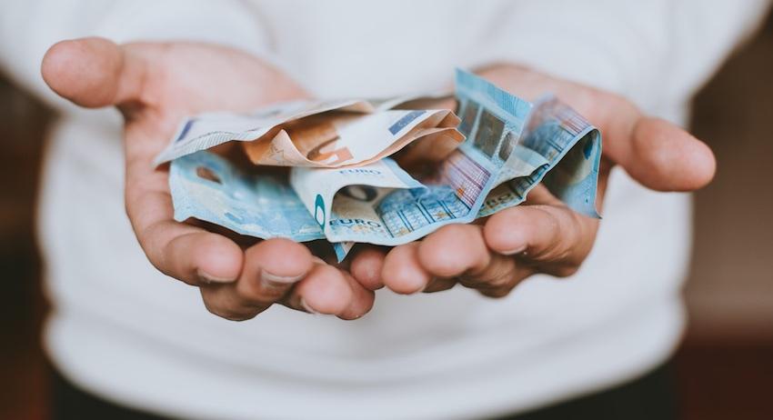 blockchain euros unsplash