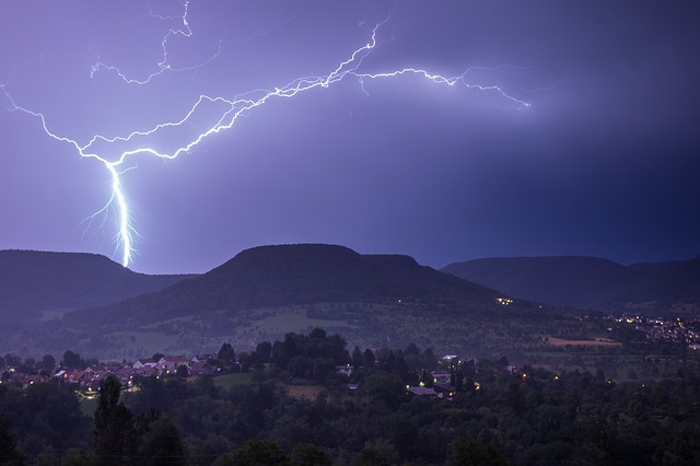 lightning-pixabay