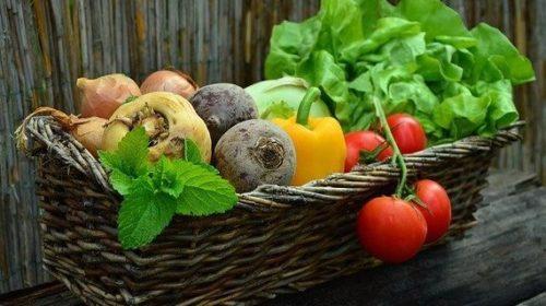frutas y verduras con Bitcoin