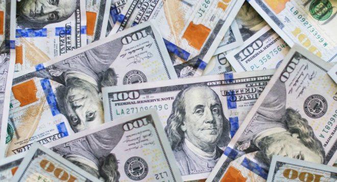 dinero dólares millonarios