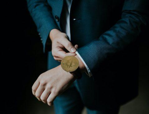 inversion-bitcoin-unsplash-canva-min
