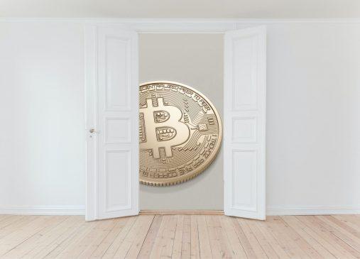 puertas-bitcoin-unsplash-canva-min