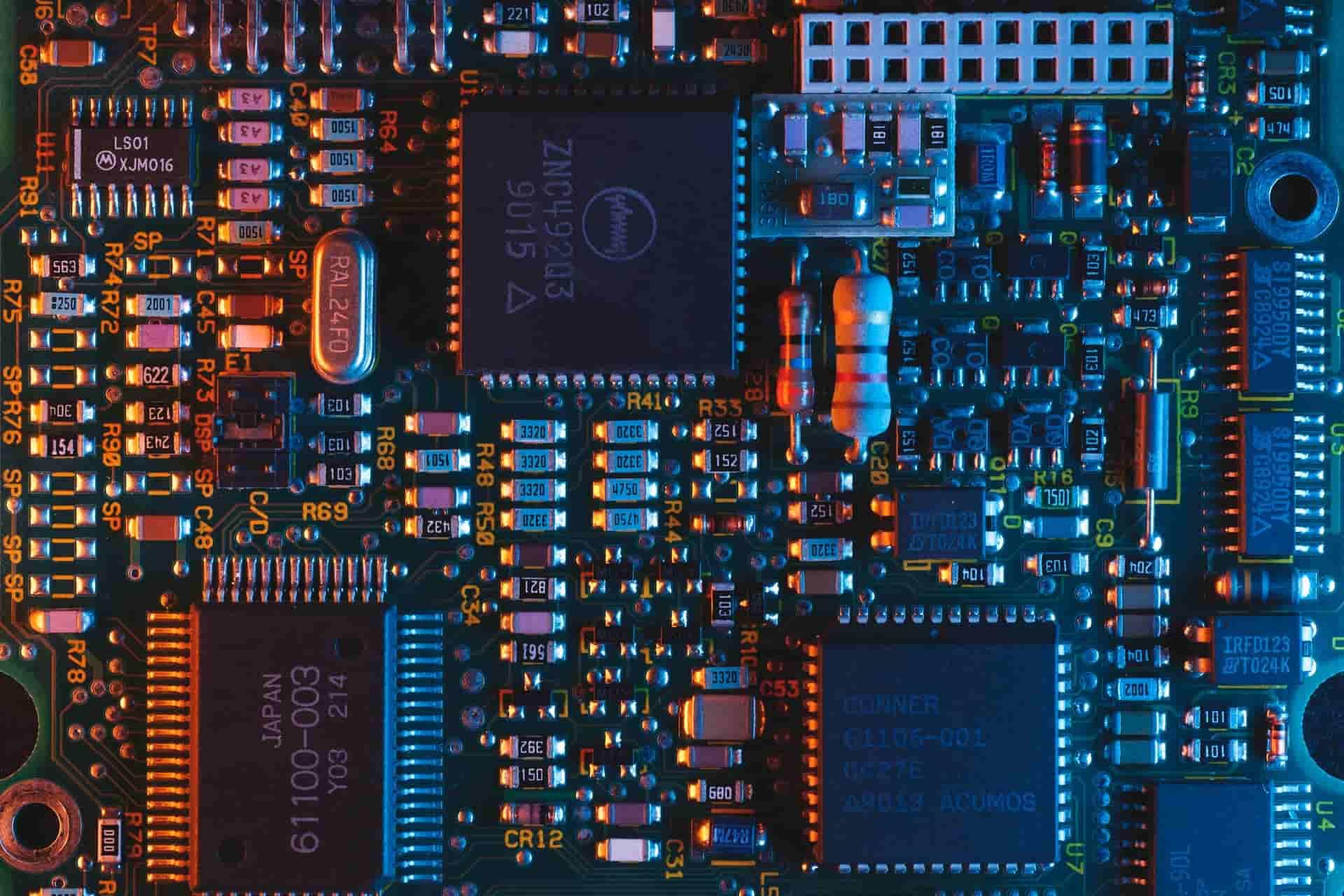 Bitmain revela que uno de sus proveedores aumentó costo de los componentes ¿Subirá precio del hardware minero?